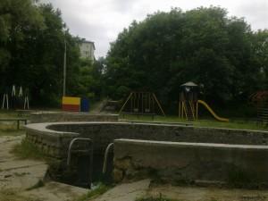Бассейны, вид на ул. Пригородную